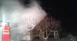 Pożar domu jednorodzinnego. 4-osobowa rodzina straciła dach nad głową