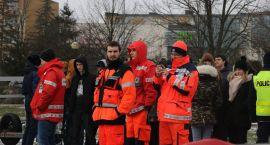 Służby ratunkowe ćwiczyły na zamarzniętym zalewie [foto+video]