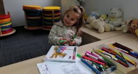 """Półmetek kampanii """"Mała książka – wielki człowiek"""" w Miejskiej Bibliotece Publicznej w Zambrowie"""
