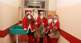 Pomocnicy Mikołaja na ulicach Zambrowa [foto]
