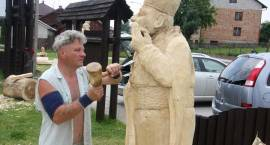 W Kołakach Kościelnych powstają piękne rzeźby i obrazy [foto]