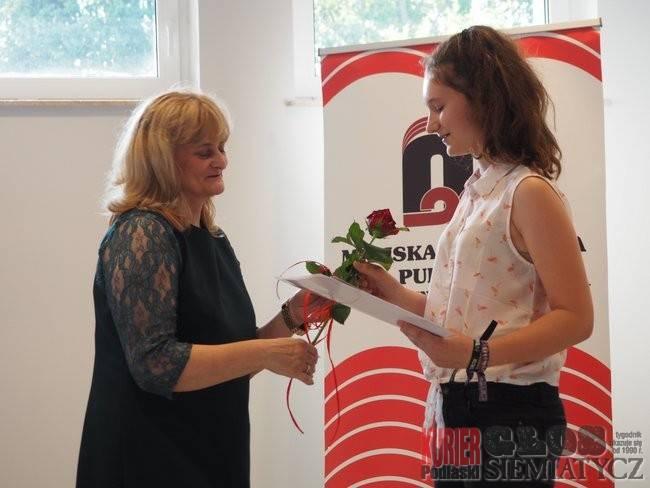 """Wernisaże - spotkania , """"Kryształowa Anka"""" wręczona - zdjęcie, fotografia"""