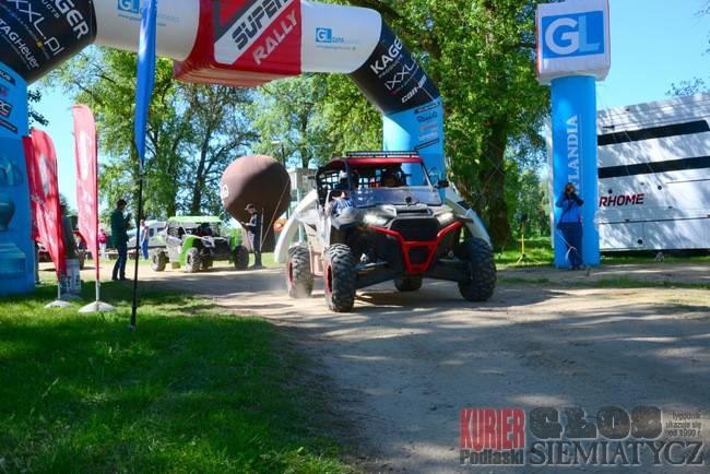 Sporty motorowe, Bugiem - zdjęcie, fotografia