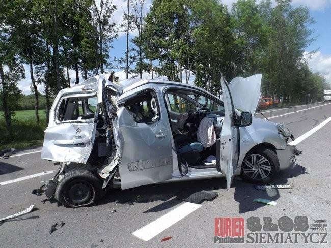 Wypadki drogowe, Wypadek drogowy koło Pilik - zdjęcie, fotografia