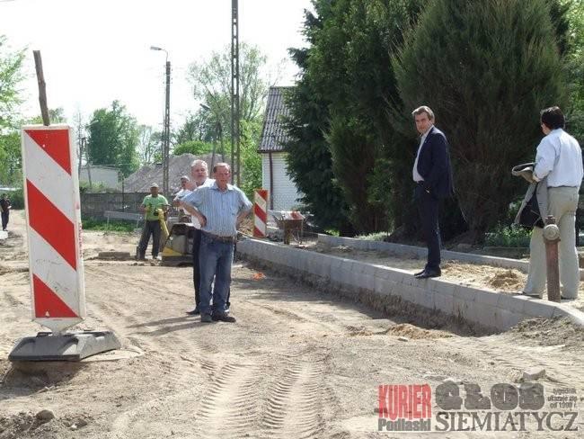 Administracja, drogi drogą jeszcze gorzej - zdjęcie, fotografia