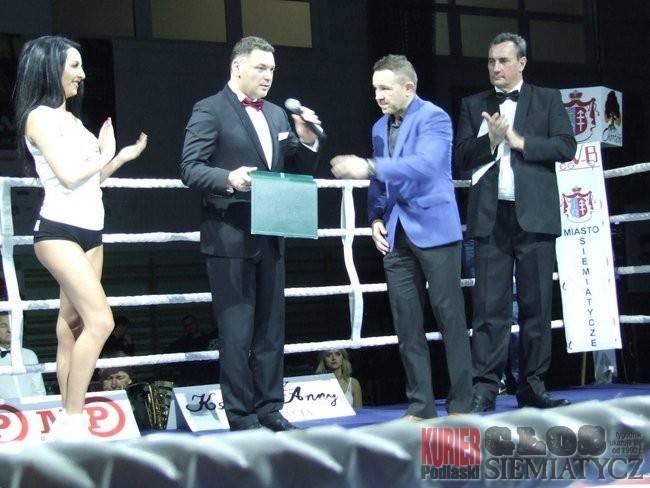 Rózne dyscypliny, Siemiatycze Boxin Balojew znokautował Nawrockiego - zdjęcie, fotografia