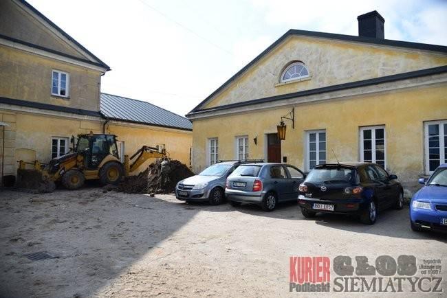 Administracja, Kości należące sześciu osób znaleziono Bielsku - zdjęcie, fotografia