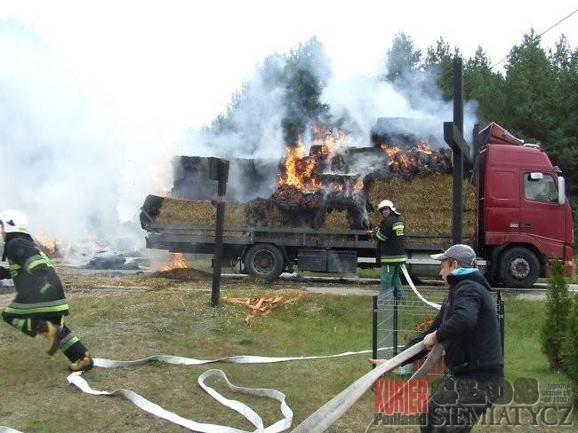 Pożary - straż, Koterka Pożar słomą - zdjęcie, fotografia