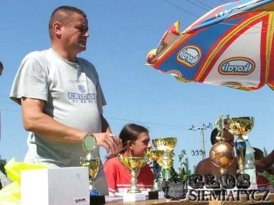 Piłka nożna, jednym meczu Ludzie Cresovii Mirosław Twarowski - zdjęcie, fotografia