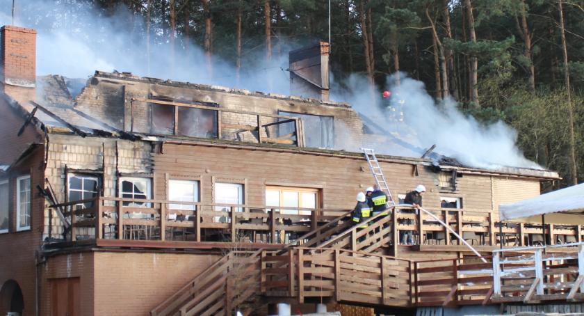 Pożary - straż, Spłonęła Ptasia Osada Ploskach - zdjęcie, fotografia