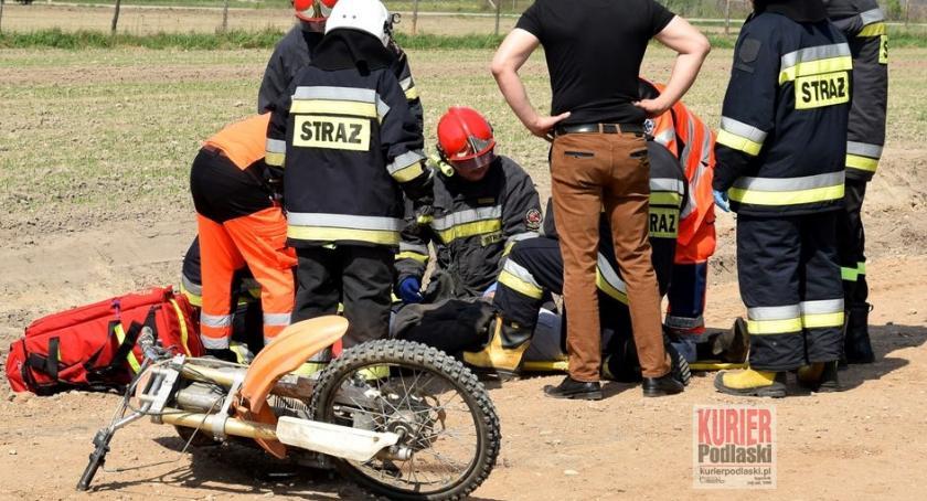 Wypadki drogowe, Pijany motocyklista - zdjęcie, fotografia