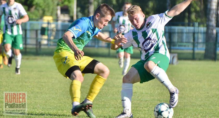 Piłka nożna, Pechowy Puszczy - zdjęcie, fotografia