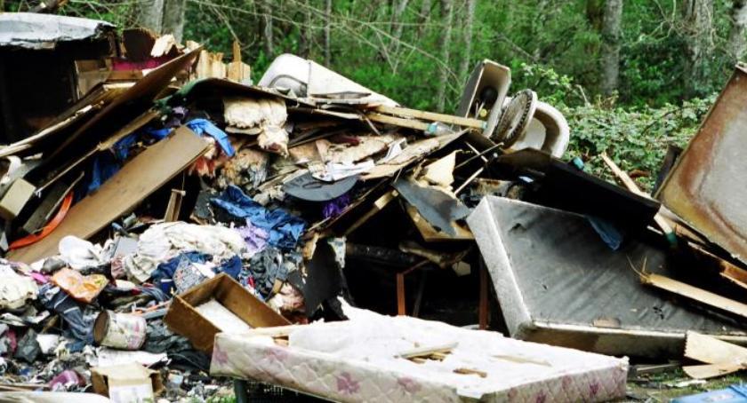 Interwencje, Problemy selekcją odpadów - zdjęcie, fotografia