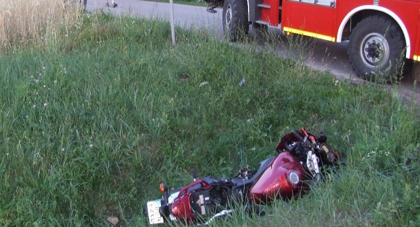 Wypadki drogowe, Motocyklista rowie - zdjęcie, fotografia