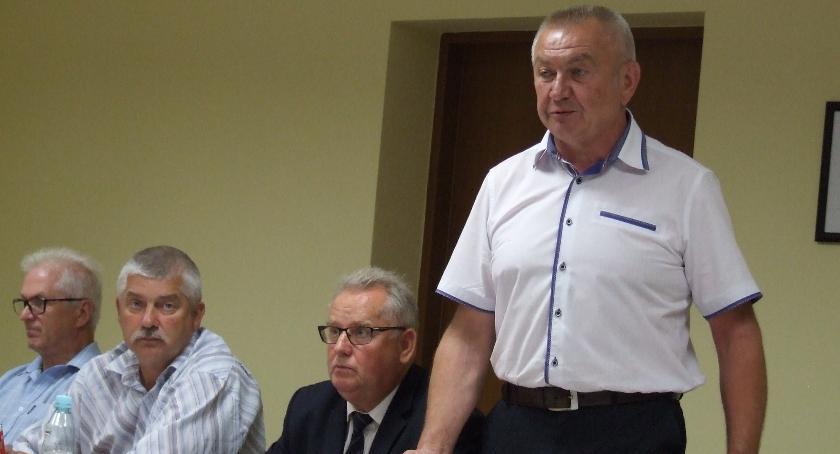 Samorządy , powiat głosów szuka przedwyborcza układanka - zdjęcie, fotografia