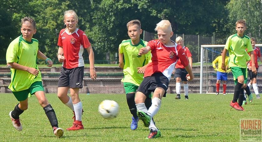 Piłka nożna, Międzynarodowa piłka nożna młodzików - zdjęcie, fotografia