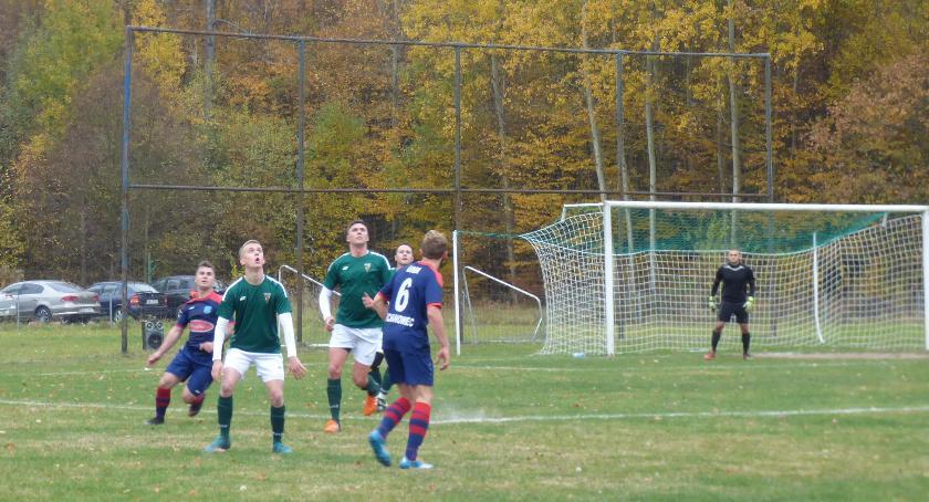 Piłka nożna, Rozegrane mecze października - zdjęcie, fotografia