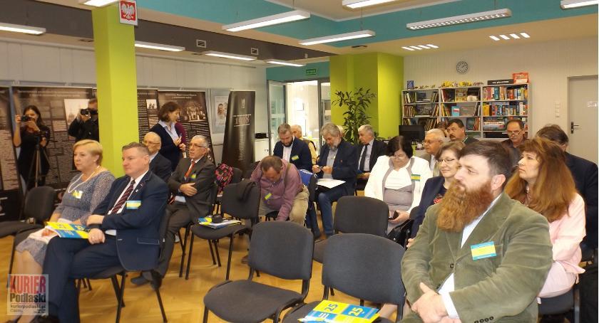 Wernisaże - spotkania , Sukces ukraińskiej konferencji - zdjęcie, fotografia