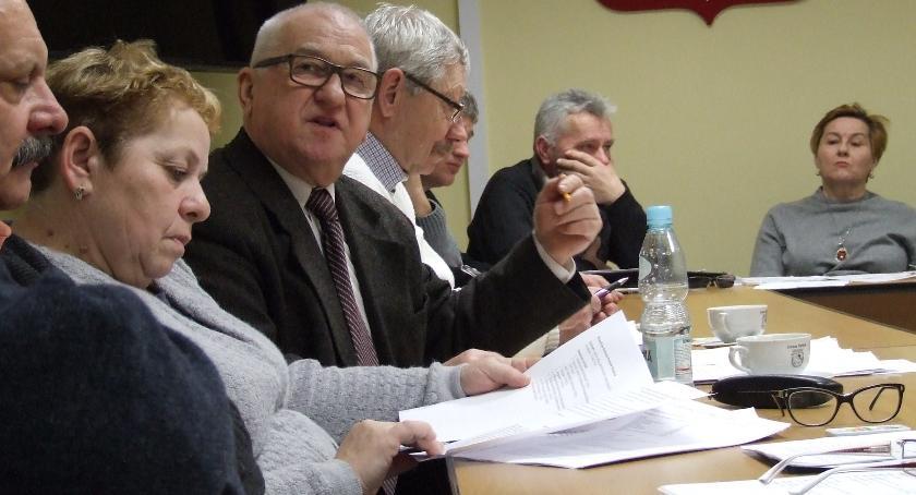Samorządy , Podwyżka śmieci - zdjęcie, fotografia