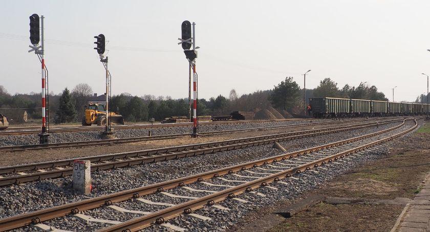 Samorządy , pociągu komunikacją miejską - zdjęcie, fotografia