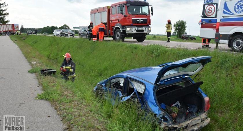 Wypadki drogowe, Ciągnik ustąpił pierwszeństwa - zdjęcie, fotografia