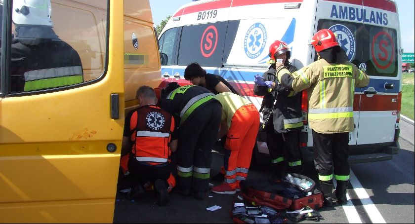 Wypadki drogowe, Wypadek dziewiętnastce - zdjęcie, fotografia