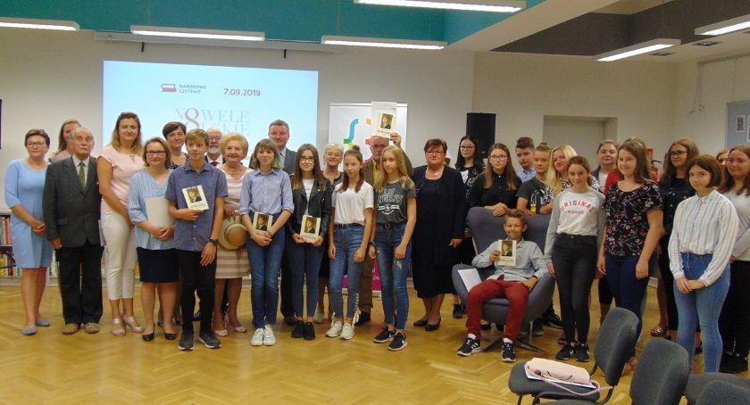 Wernisaże - spotkania , Bielsk Podlaski Narodowe czytanie - zdjęcie, fotografia