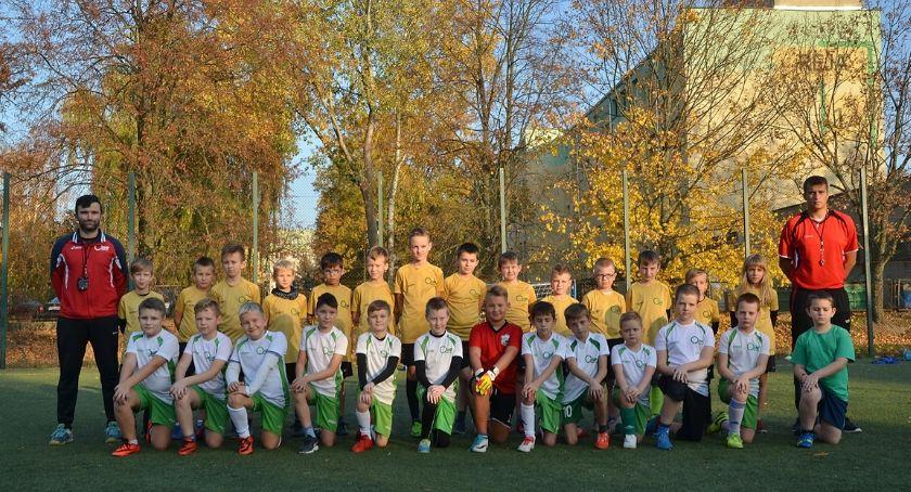 Piłka nożna, Sport bezpieczeństwo drodze - zdjęcie, fotografia