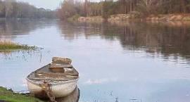 Fotografia. Widok na rzekę Bug