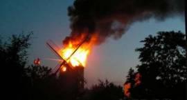 Wiatrak - pożar od lampek?