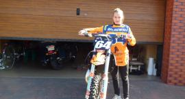 Pasje Julii  - motocykl i piłka
