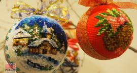Słowem i haftem krzyżykowym nie tylko o świętach