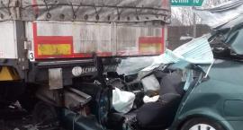 Wypadek przed przejazdem kolejowym - zginął kierowca
