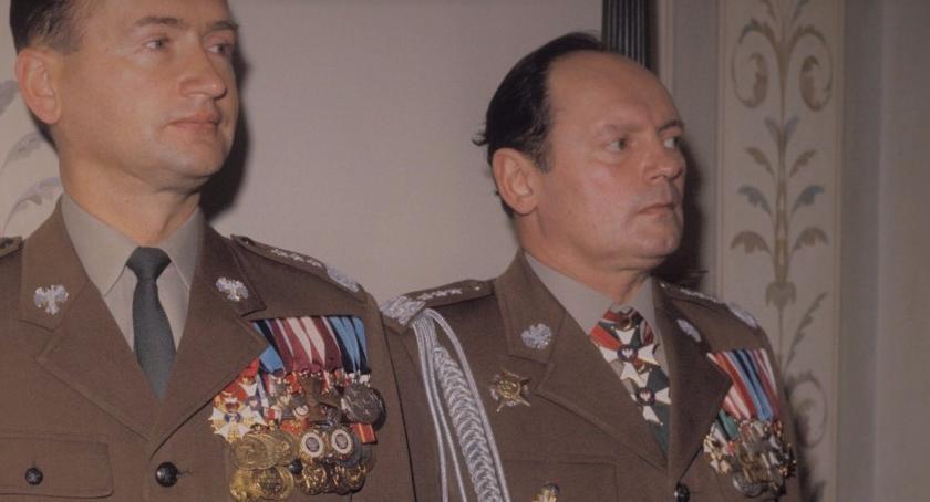 Aktualności, Bolszewicy kostnicy - zdjęcie, fotografia