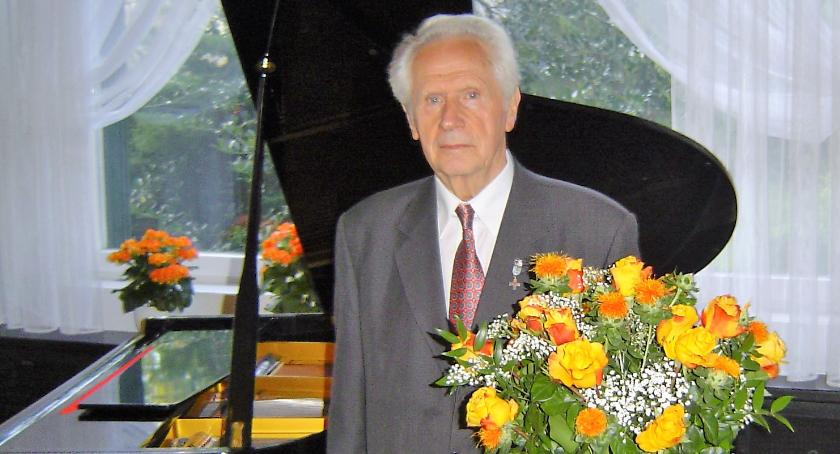 Historia, Stanisław ciągle dobrej kondycji wcale zamierza zejść posterunku - zdjęcie, fotografia