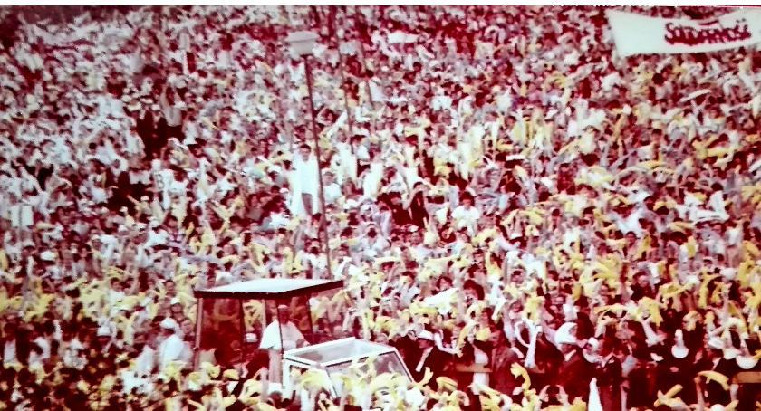 Aktualności, odszedł papież wolności solidarności - zdjęcie, fotografia