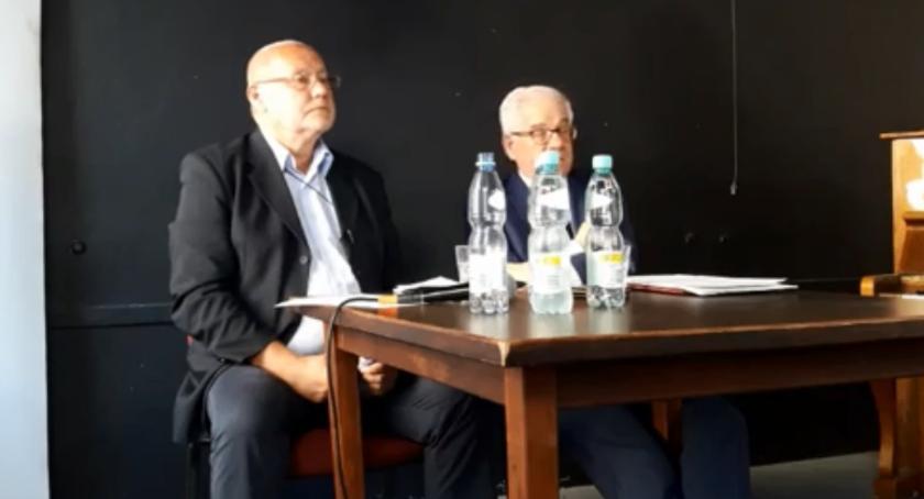 News, wyzwaniach polityki zagranicznej polski rozmawiano siedzibie - zdjęcie, fotografia