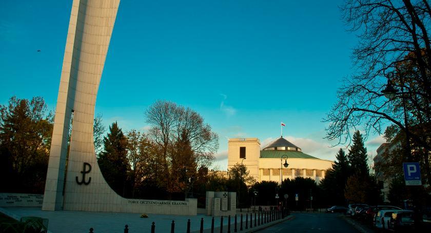 News, będzie referendum konstytucyjnego Prezydenta Andrzeja - zdjęcie, fotografia