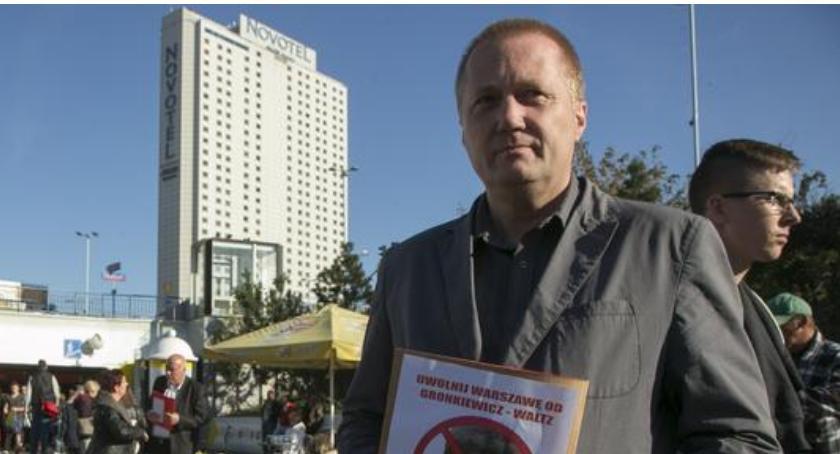 """Wywiady, Wojciech Papis """"Politycy powinni pracować rzecz obywateli odwrót!"""" - zdjęcie, fotografia"""