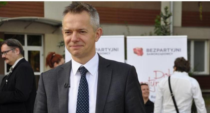 News, Robert Wróbel odszedł partii żeby działać ruchu Bezpartyjni Samorządowcy - zdjęcie, fotografia