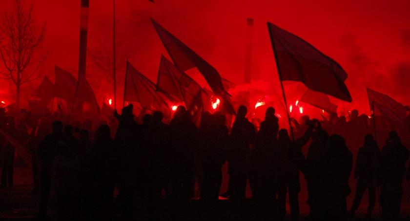 News, Warszawa Hanna Gronkiewicz Waltz zakazała Marszu Niepodległości - zdjęcie, fotografia