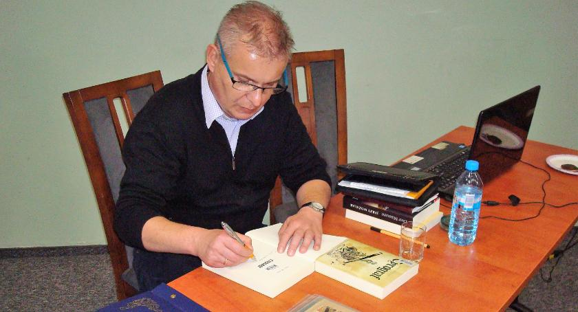 News, Spotkanie historią literaturą Dębem Wielkim - zdjęcie, fotografia