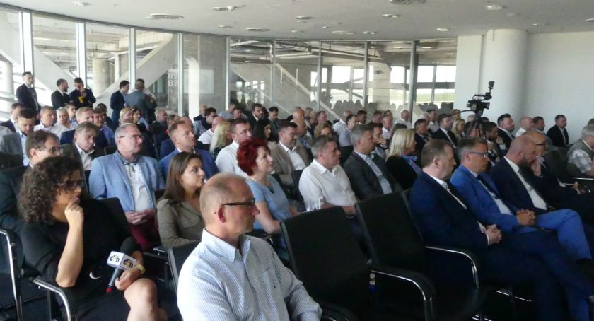 Aktualności, Bezpartyjni Samorządowcy odrzucają propozycję - zdjęcie, fotografia