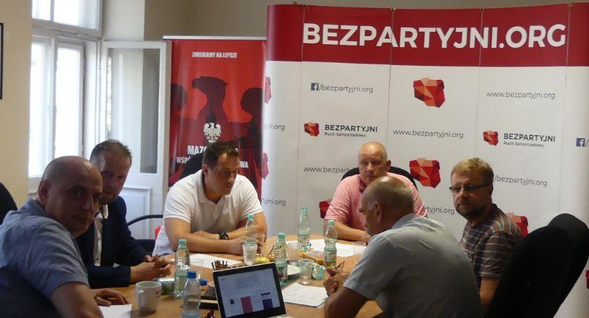 Wybory 2019, Bezpartyjni Samorządowcy szykują wybory parlamentarne - zdjęcie, fotografia
