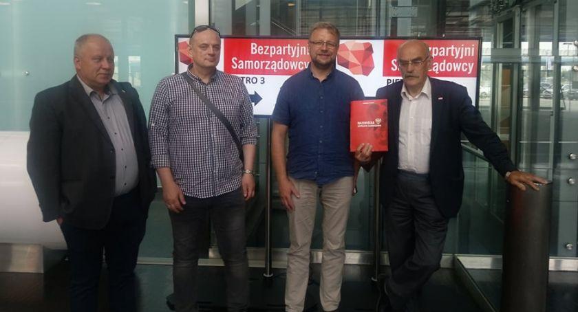 Wybory 2019, Bezpartyjni Samorządowcy odrzucają koalicję Możliwa Kukiz15 - zdjęcie, fotografia
