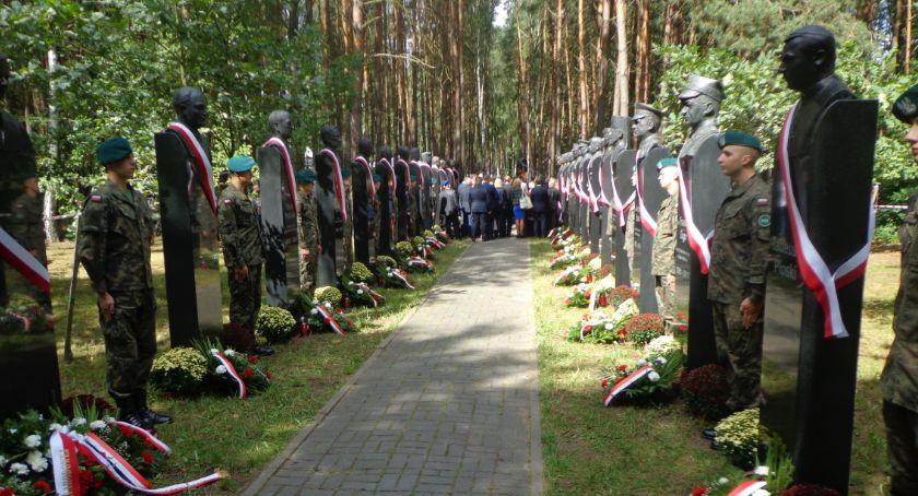 News, Uroczystości rocznicy zwycięskiej bitwy warszawskiej Ossowie - zdjęcie, fotografia
