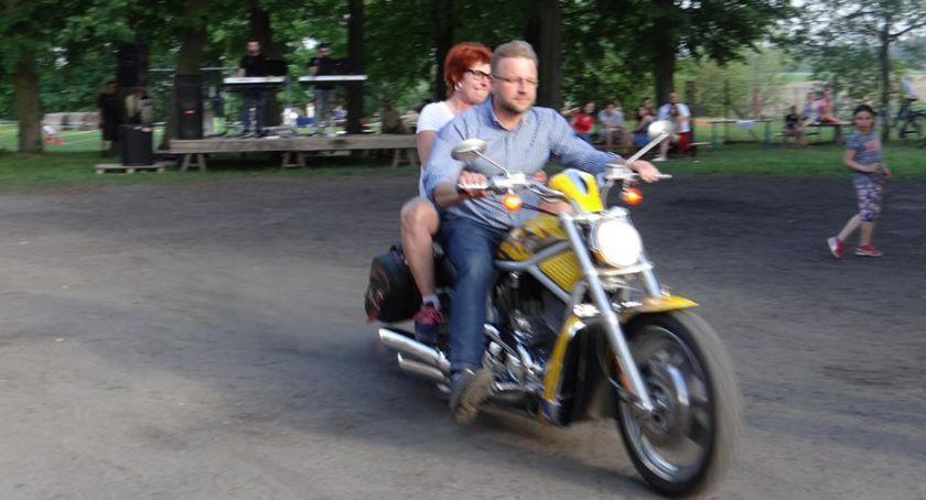 Aktualności, Paweł Kłobukowski czyli jedynka okręgu płockiego całe życie motocyklu - zdjęcie, fotografia