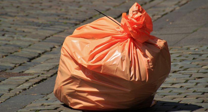 Wybory 2019, Drożeje gospodarka odpadami Bezpartyjni krytycznie dzieje - zdjęcie, fotografia