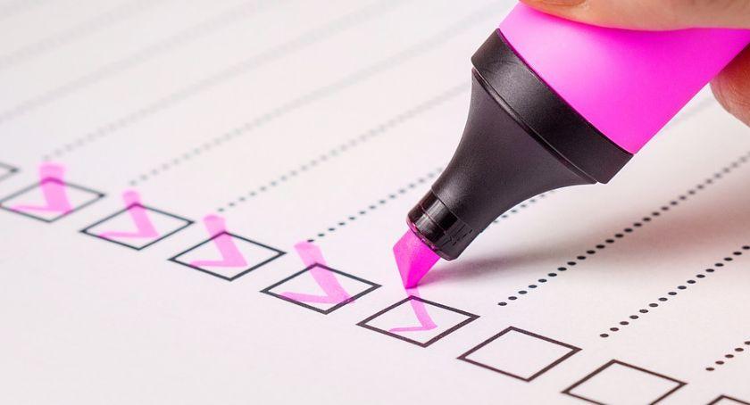 Wybory 2019, Ostatnie sondaże przed ciszą wyborczą stabilne partie walczą - zdjęcie, fotografia