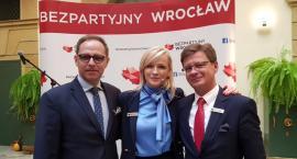Bezpartyjni z Warszawy na konwencji wyborczej Bezpartyjnych z Wrocławia